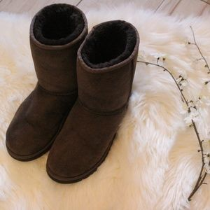 UGGS Medium Brown Boots